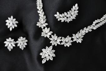 JJF2017_woman-award_jewellery.jpg
